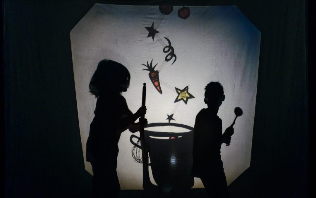 1dbe122cb42 Θεατρικό εργαστήρι για παιδιά 9-12 χρονών που υποστηρίζονται από την ένωση  Μαζί για το Παιδί και από το Κέντρο Στήριξης Παιδιού και Οικογένειας Αθήνας  των ...